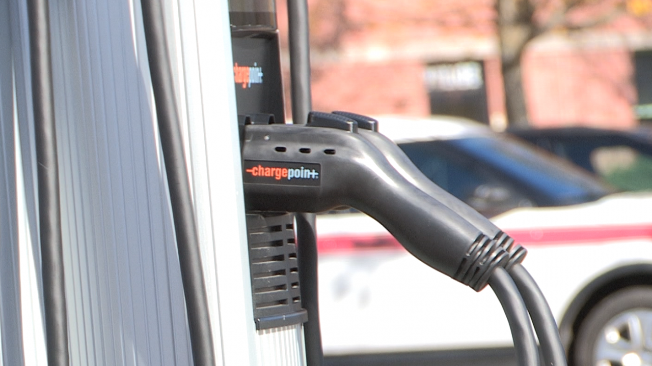 Senator Schumer is pushing NYS drivers to switch to electric cars.