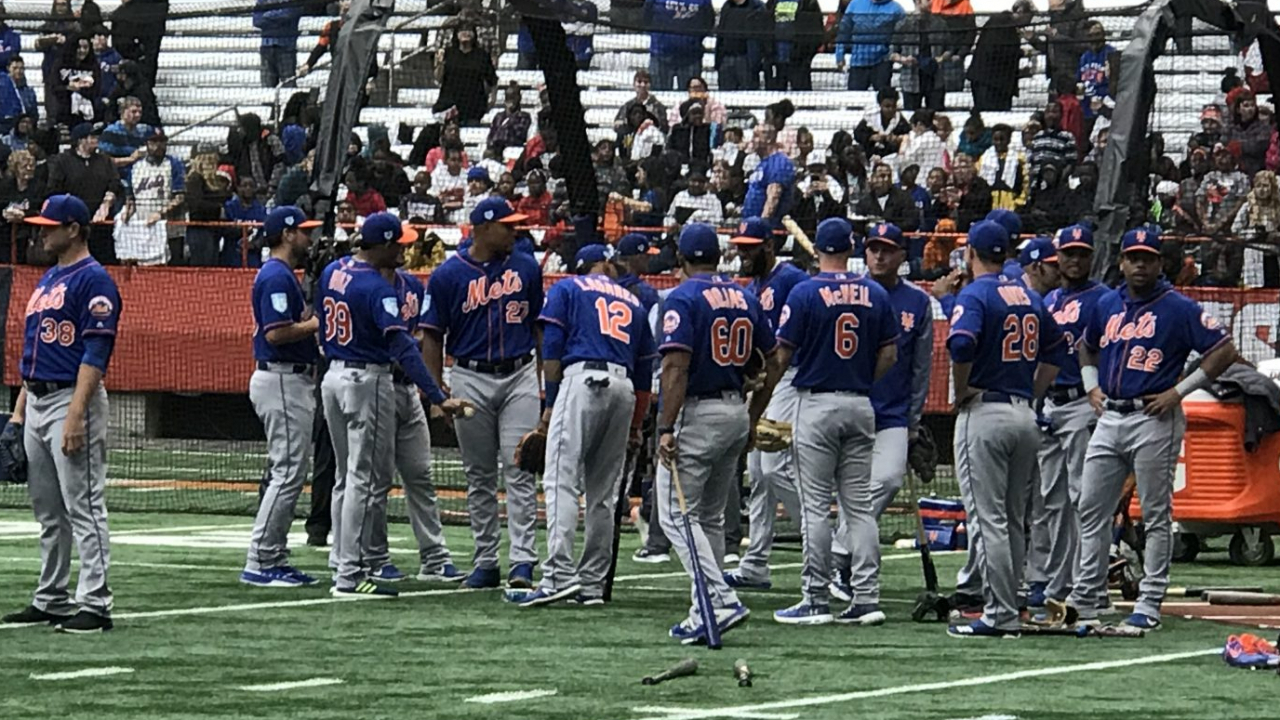 The New York Mets are ready to start their workout.